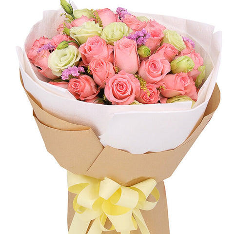 Heart for you( 33 Diana Pink Roses-