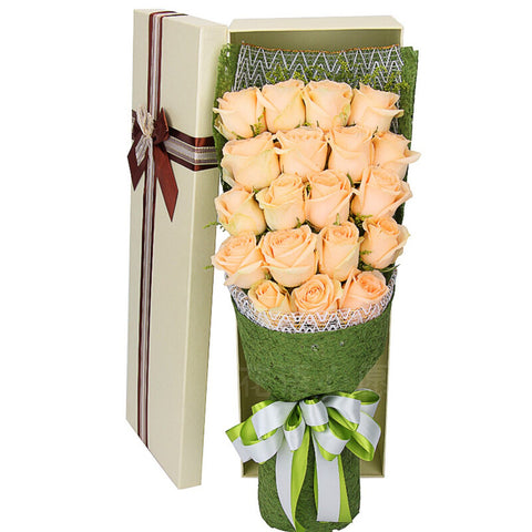 Alwayswarm(19 champagne roses interspersed wit)