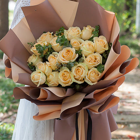 Dear you( 33 champagne roses)