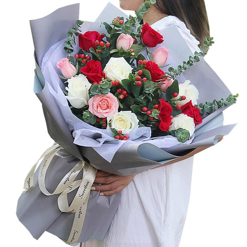 Yoyo my heart(6 red roses 5 white roses 5 Diana)