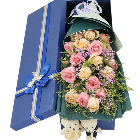 Set sail for happiness(  champagne + 9 Diana pink roses-