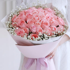 love at first sight( 33 Diana Pink Roses)
