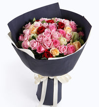 Load image into Gallery viewer, 32 (Diana Pink Rose or Maria Pink Rose), 6 white roses, 6 champagne roses, 6 red roses to China