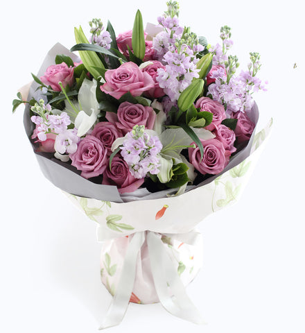 19 beautiful cold roses, 9 purple violets, 2 white lilies to China
