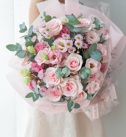 9 pink roses to HongKong or Macau(price in usd)