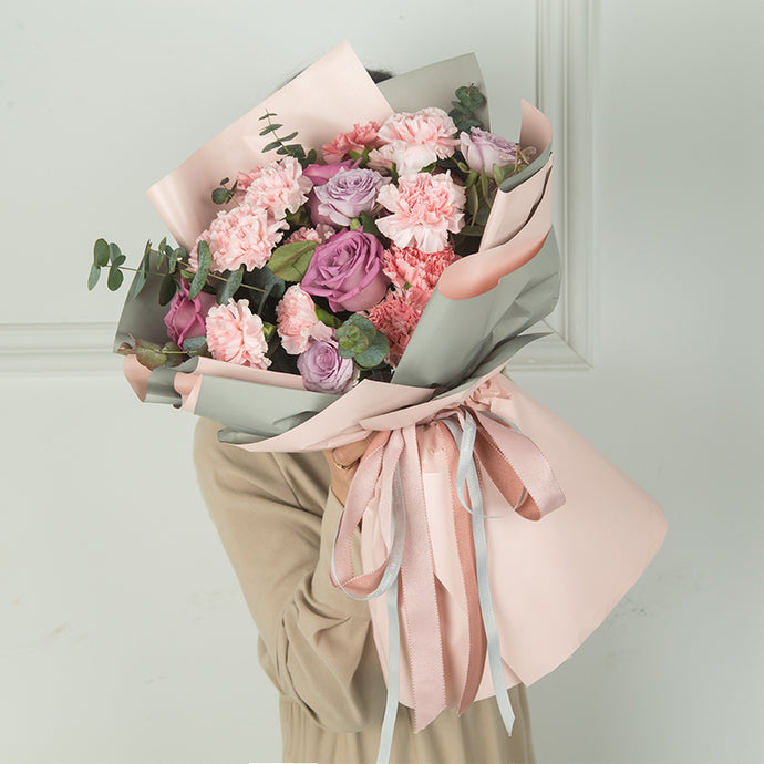 Send Pink Carnation Flower to China