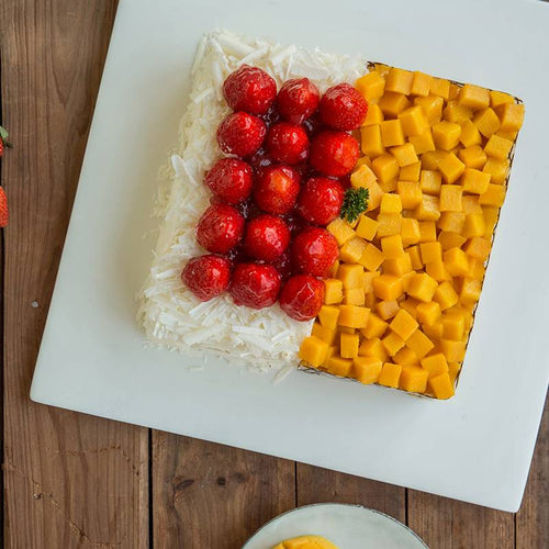 Mango & Strawberry Cake To China