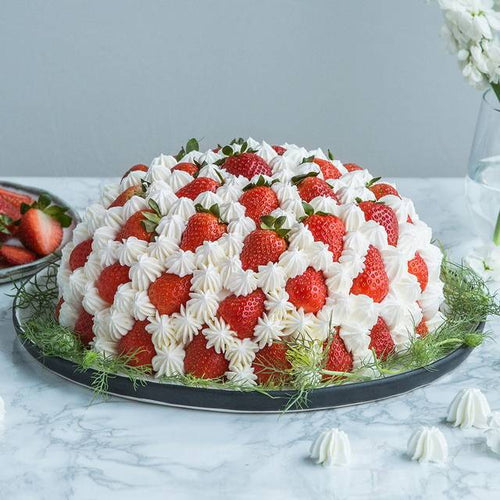 Circular Strawberry & Cream Cake To China