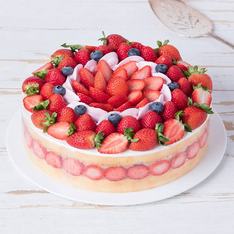 Round Stawberry Blueberry Cake to China