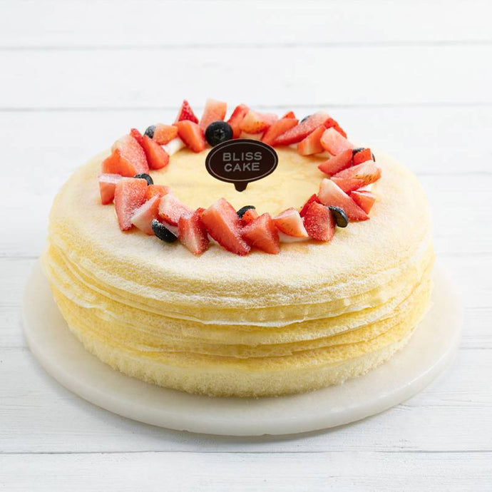 Durian Melaleuca cake with Strawberry Fruit