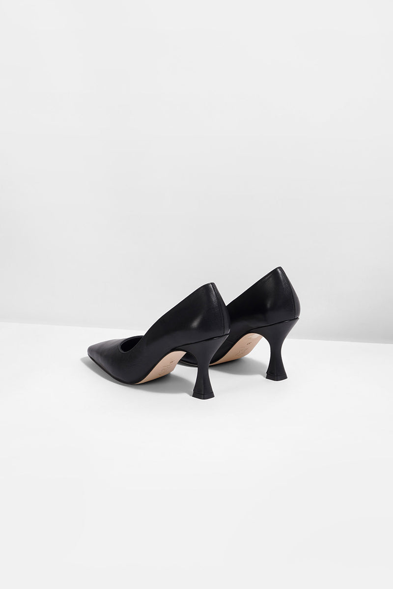 Eve - black (only size 39 left in stock)