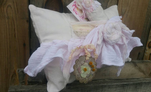 Herbal Shabby Vintage dried lavender pillow with front mini pocket