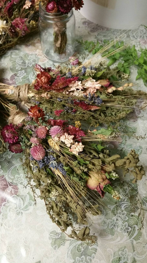 Victoria Dried Floral Herbal Bouquet