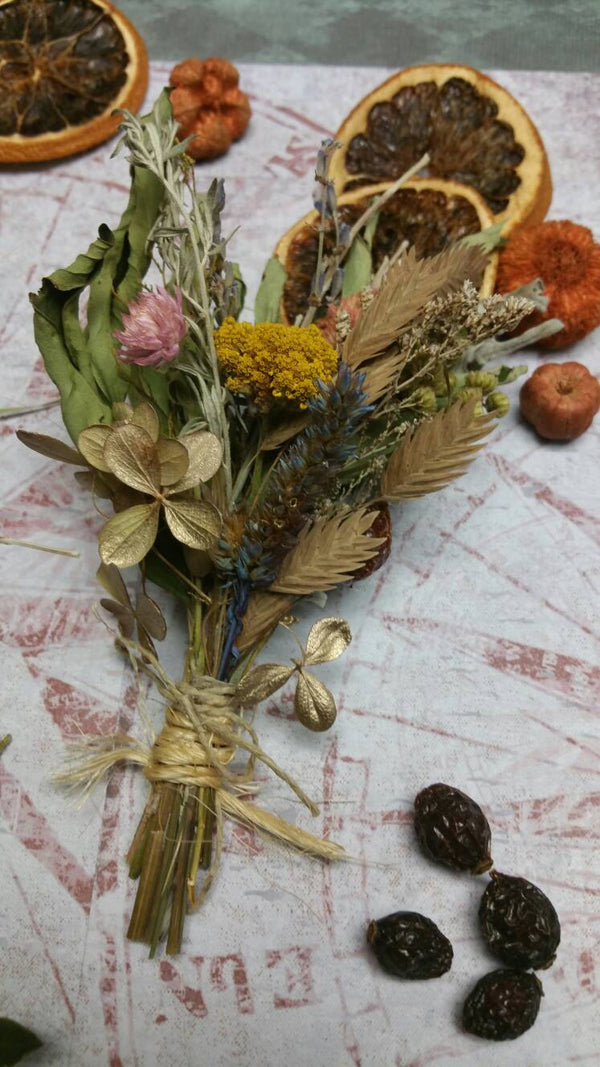 Nature's Bounty Dried Herb*Home Decor*Dried Floral Ornament-Vintage Farmhouse Autumn theme Decoration*Small Floral Bundle