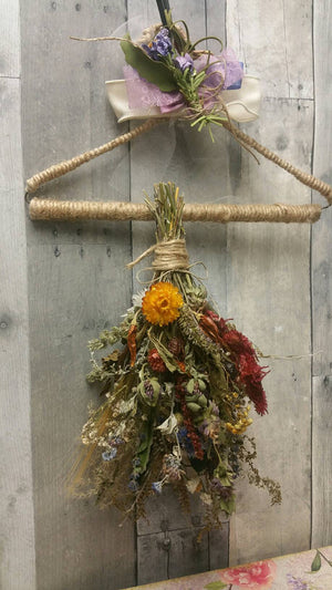 Small Bouquet*Home Decor*Herbal Dried Floral Ornament-Autumn Vintage Farmhouse Decoration*Single with Herb Drying Hanging rack