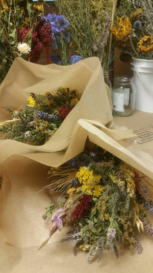 Small Hanging Dried Herbal Floral Bouquet*Autumn Vintage Farmhouse Decoration*Single