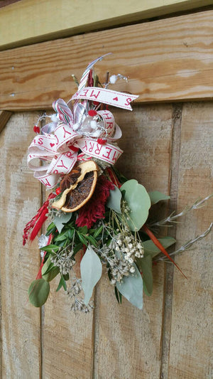 Medium Winter Dried Floral and Botanicals Bouquet 1