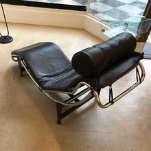 Load image into Gallery viewer, Le Corbusier Lounger