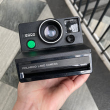 Load image into Gallery viewer, Polaroid Land Camera 2000