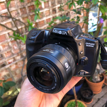 Load image into Gallery viewer, Minolta Dynax 500si