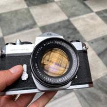 Load image into Gallery viewer, Pentax Spotmatic SP