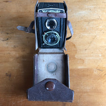 Load image into Gallery viewer, Voigtländer Brillant TLR