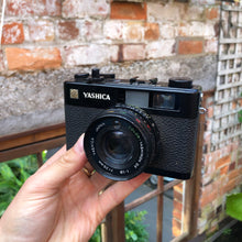 Load image into Gallery viewer, Yashica Electro 35 CC
