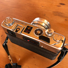 Load image into Gallery viewer, Yashica Electro 35 GSN