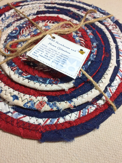 Traditional Flat Trivet Set in Antique Americana Fabric Theme at 1840 Farm