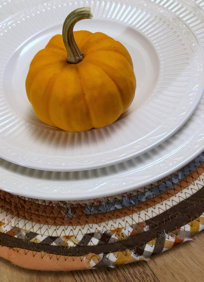 SALE - 14 inch Fall Trivet/Placemat