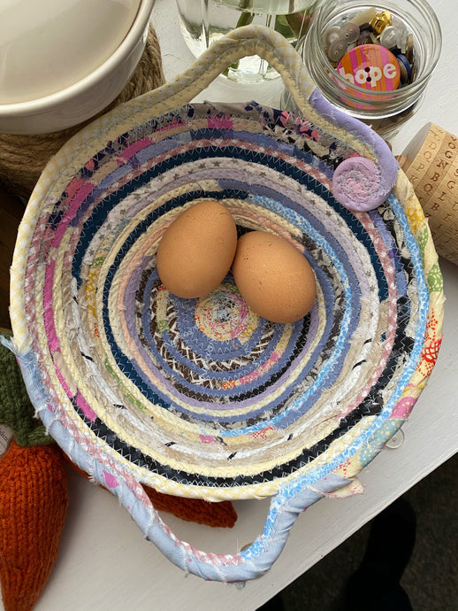 Small Egg Basket #1608