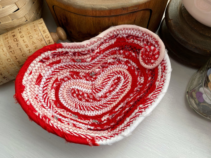 Small Heart Shaped Table Basket #1582
