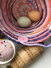 Load image into Gallery viewer, Medium Egg Basket #1476