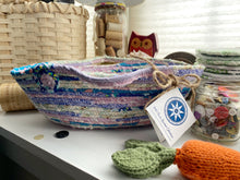 Load image into Gallery viewer, Medium Farmhouse Trug Basket #1596