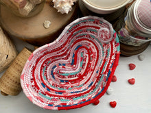 Load image into Gallery viewer, Medium Heart Shaped Table Basket #1583