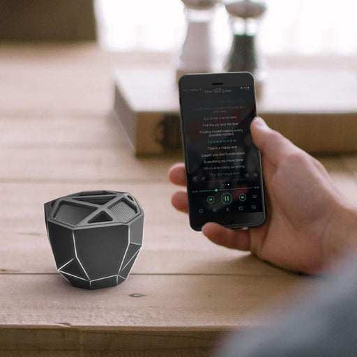 Xoopar GEO Wireless Bluetooth Speaker : Black