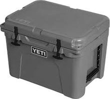 Load image into Gallery viewer, YETI Tundra 35 Cooler