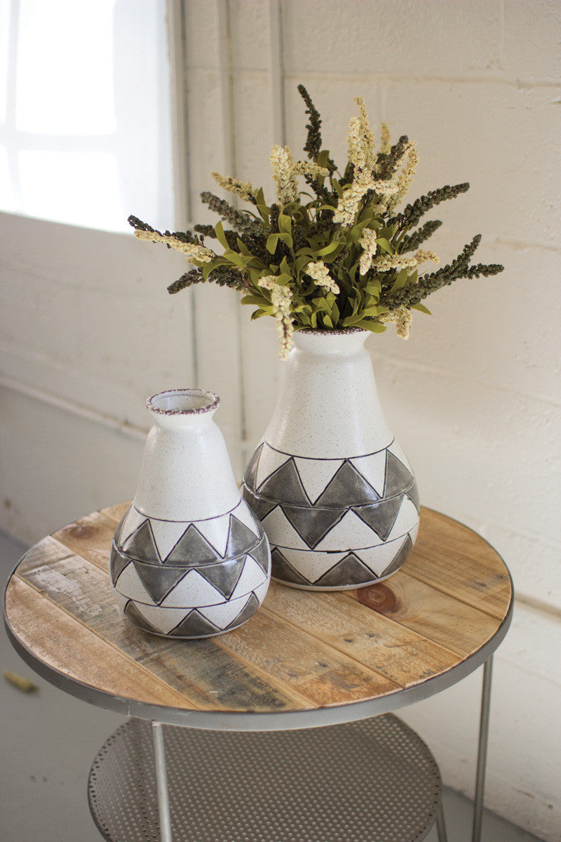 set of 2 grey ceramic zig zag vases- SM