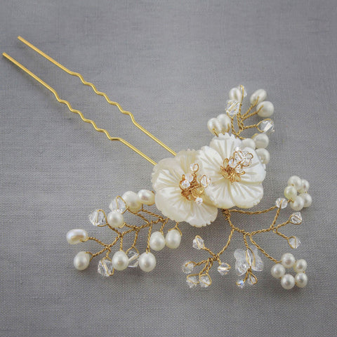 Daisy Hairpin-Hairpins & Combs-Bekah Anne-4 Day Rental-Gold-Happily Ever Borrowed