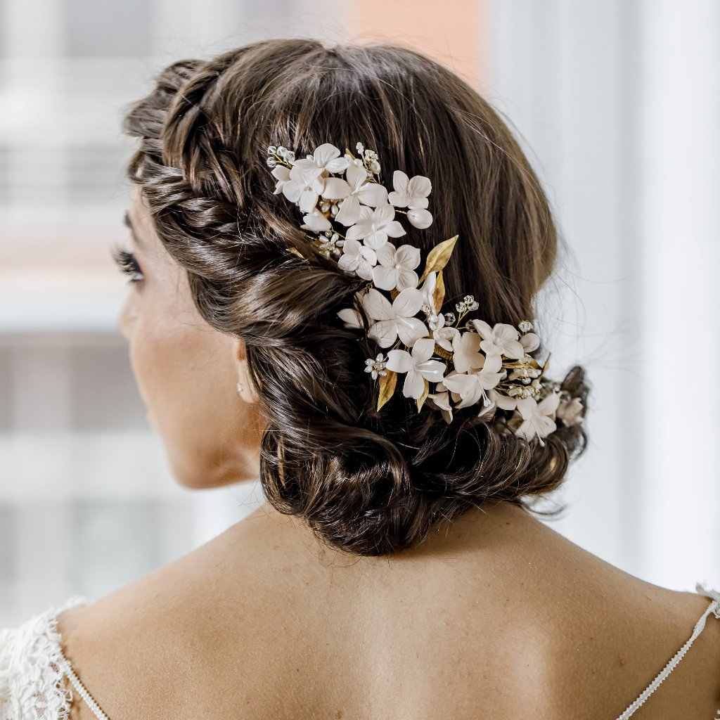 Hairpins & Combs – Happily Ever Borrowed