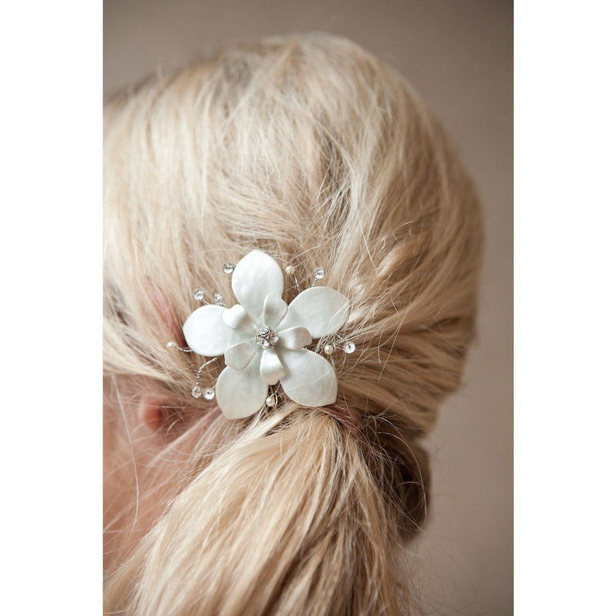 Lily Comb-Hairpins & Combs-Avant Bride-Happily Ever Borrowed
