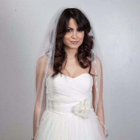 "Chelsea Veil 45""-Veils-Justine M. Couture-Candlelight-4 Day Rental-Happily Ever Borrowed"