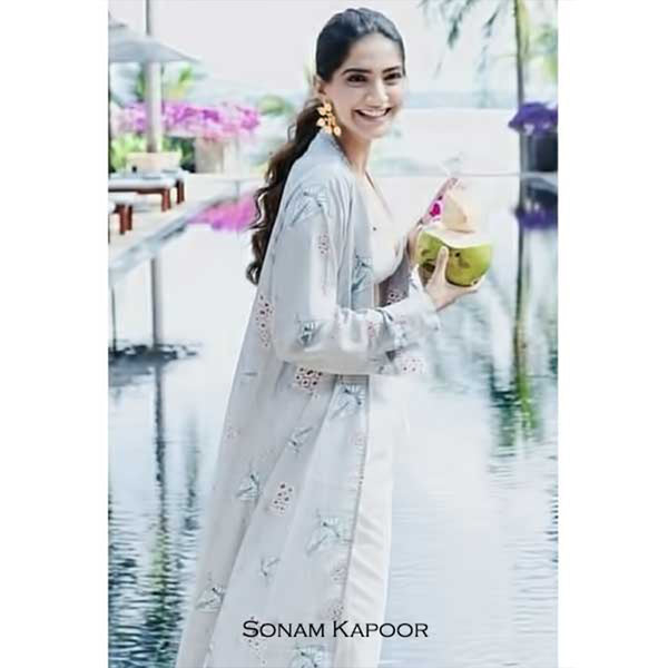 Gold Five Petal Floral Earrings Worn by Sonam Kapoor