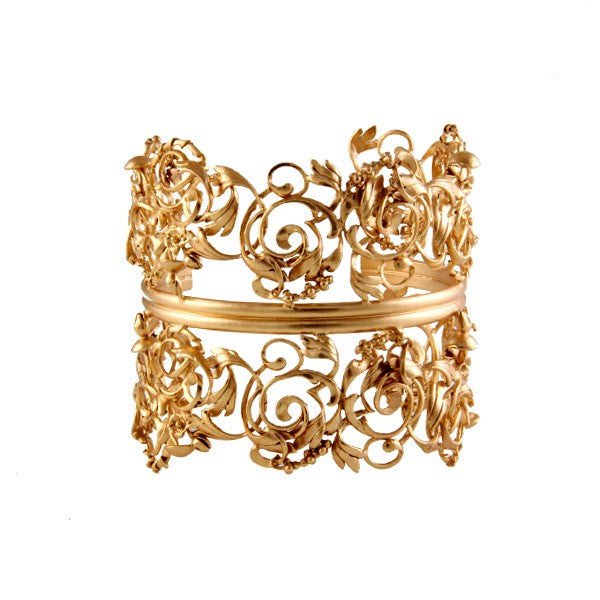 gold-double-swirl-cuff-worn-by-dia-mirja