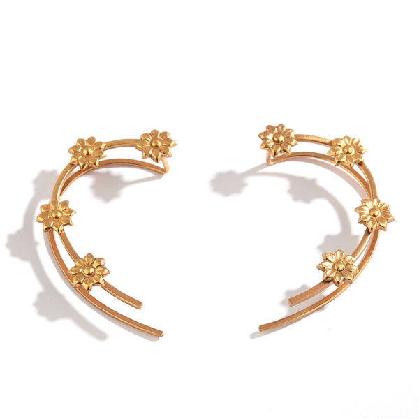 Edgy Emergence Ear Cuff in gold