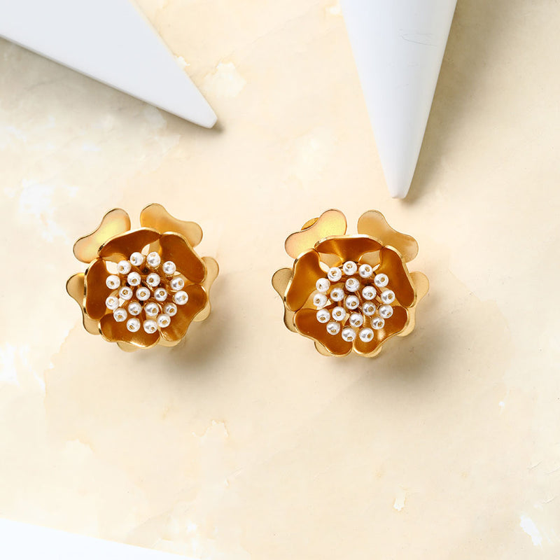 Marvellous Golden Flower Earrings
