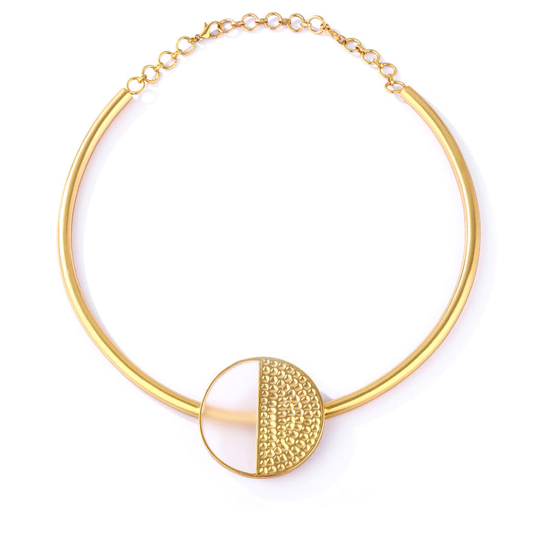 Gold Toned Acrylic Disc Collar Necklace With Beaten Metal Detail