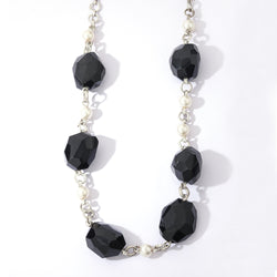 Beaded chain link necklace with balck onyx stones