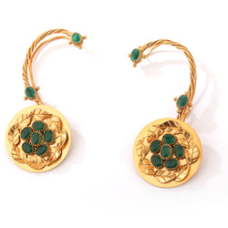 GOLD PLATED EARCUFF WITH GREEN CRYSTAL AND SERRATE