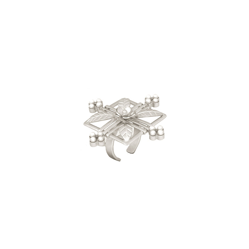 SILVER PLATED SQUARE LEAF FLOWER RING WITH MOTI COLLET